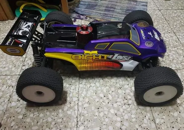 Losi eight RC Nitro truggy